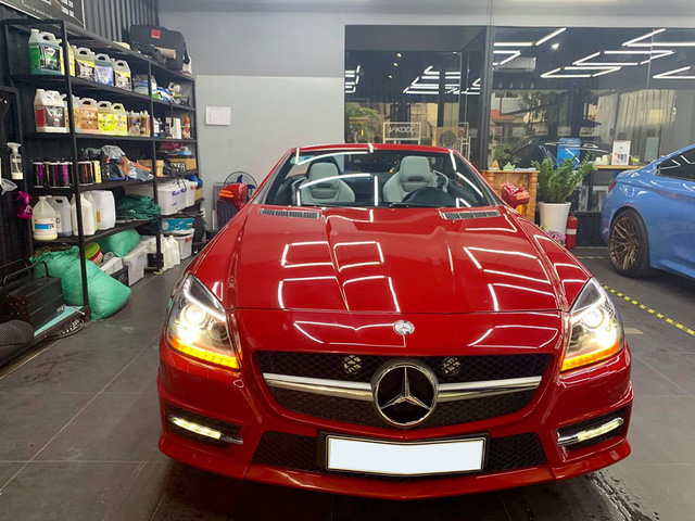 Mỗi năm chỉ chạy hơn 4.600 km, hàng hiếm Mercedes-Benz SLK bán rẻ bằng nửa giá mua mới - Ảnh 1.