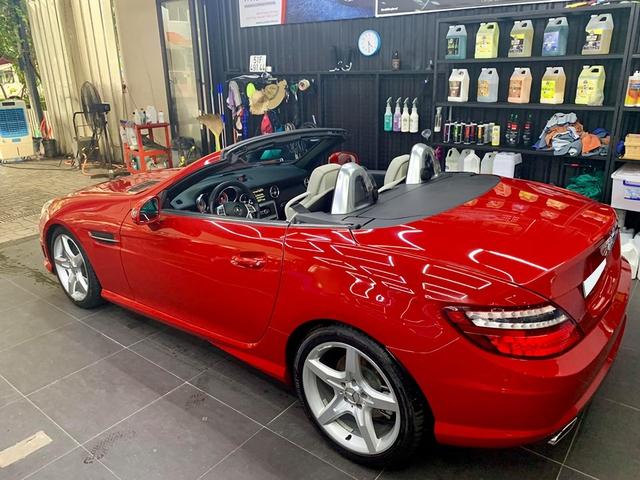 Mỗi năm chỉ chạy hơn 4.600 km, hàng hiếm Mercedes-Benz SLK bán rẻ bằng nửa giá mua mới - Ảnh 2.