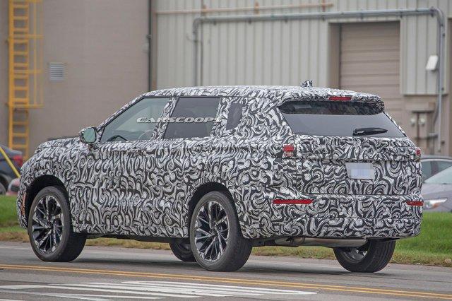 Mitsubishi Outlander 2021 lộ mặt, cà khịa Subaru Forester trên đường thử - Ảnh 5.