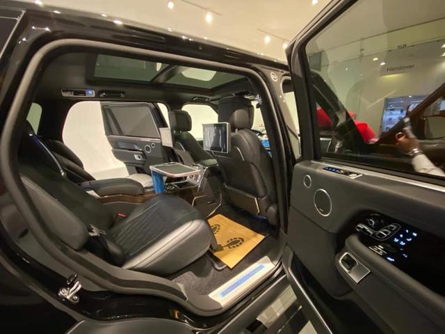 Range Rover SVAutobiography 2019 chính hãng đầu tiên về Việt Nam, giá gần 22 tỷ đồng - Ảnh 3.