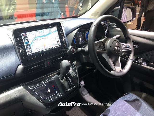 Trải nghiệm nội thất 'tiểu Xpander': Xe nhỏ nhưng rộng và nhiều công nghệ hiện đại như xe sang - Ảnh 4.
