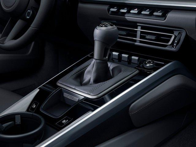 Không mất tiền nhưng người dùng Porsche 911 phải đánh đổi yếu tố này để dùng bản số sàn - Ảnh 1.