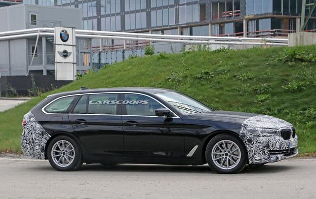Góc thở phào: BMW 5-Series 2020 lộ mặt thử nghiệm, tản nhiệt vẫn thon thả như trước - Ảnh 1.