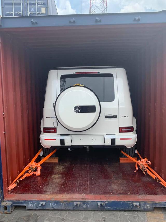 Khui công Mercedes-AMG G63 Edition 1 màu trắng thứ 2 tại Sài Gòn: Ai sở hữu sau Minh 'nhựa'? - Ảnh 3.