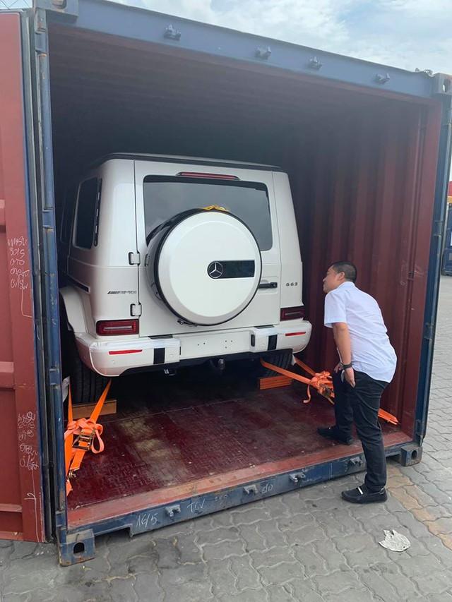 Khui công Mercedes-AMG G63 Edition 1 màu trắng thứ 2 tại Sài Gòn: Ai sở hữu sau Minh 'nhựa'? - Ảnh 2.