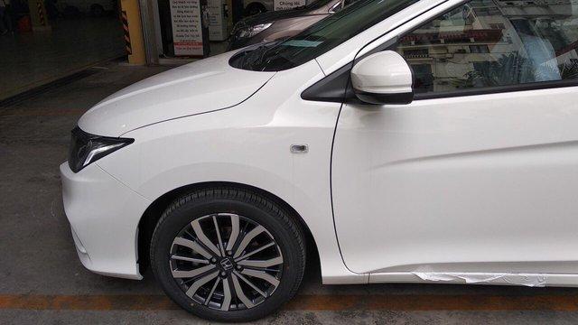 Honda City bản giá rẻ về đại lý, tăng sức nóng trong cuộc đua với Toyota Vios và Hyundai Accent - Ảnh 3.