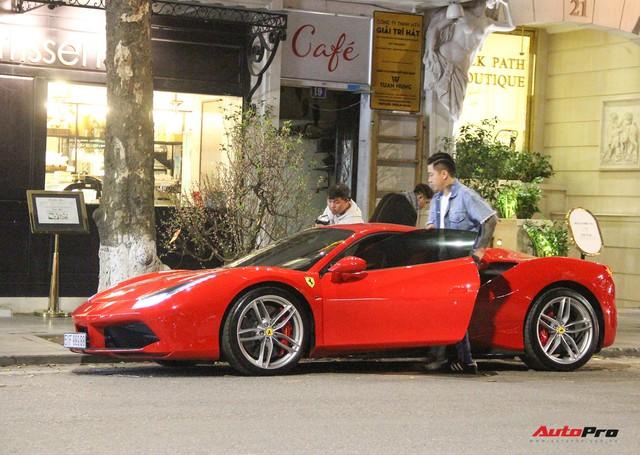 Đang đi xe ôm, Lâm Tây gặp ca sĩ Tuấn Hưng và được lần đầu trải nghiệm Ferrari 488 GTB - Ảnh 2.