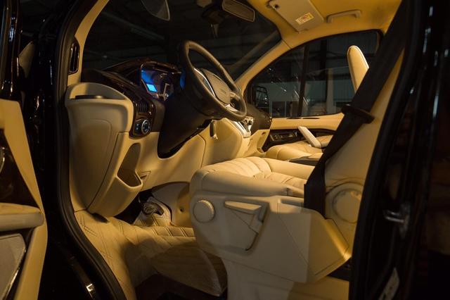 Đại lý hé lộ Ford Tourneo bản Limousine tiền tỷ cho khách Việt, đối đầu Kia Sedona bản độ hạng sang - Ảnh 3.