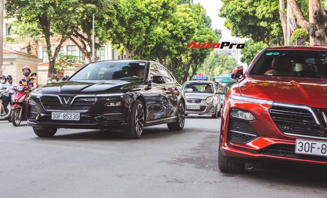 Hội VinFast Lux và nhóm chơi xe thể thao, xe sang cùng tụ tập trên phố Hà Nội - Ảnh 2.