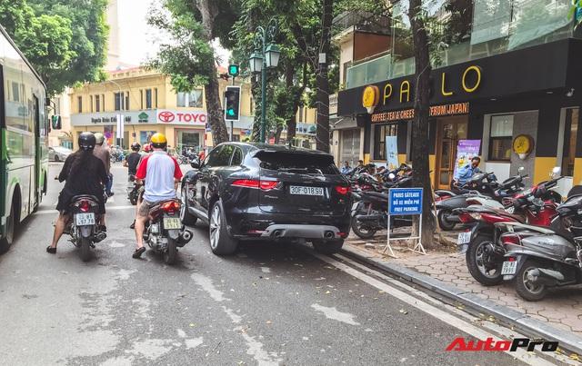 Hội VinFast Lux và nhóm chơi xe thể thao, xe sang cùng tụ tập trên phố Hà Nội - Ảnh 11.
