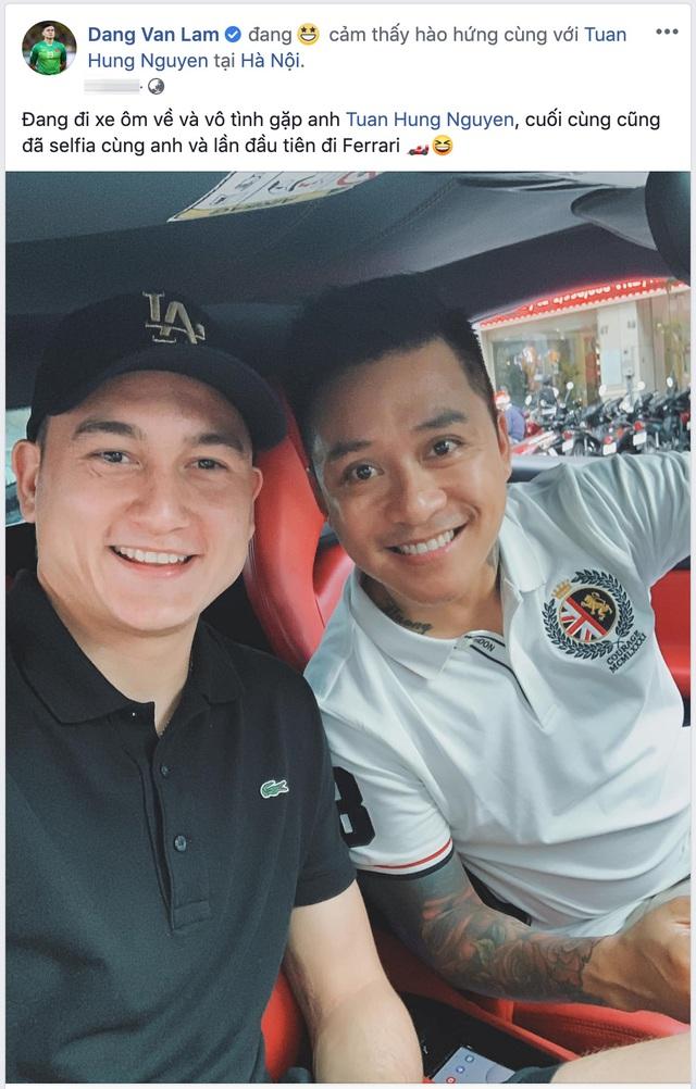 Đang đi xe ôm, Lâm Tây gặp ca sĩ Tuấn Hưng và được lần đầu trải nghiệm Ferrari 488 GTB - Ảnh 1.