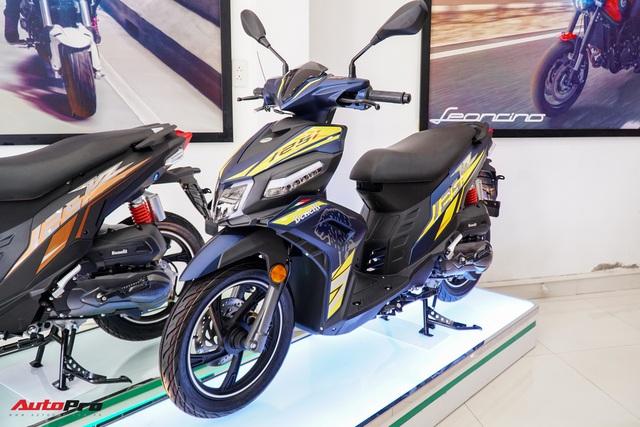 Benelli VZ125i giá 29,8 triệu đồng - đối thủ Honda Vision và Yamaha FreeGo chính thức ra mắt tại Việt Nam - Ảnh 2.