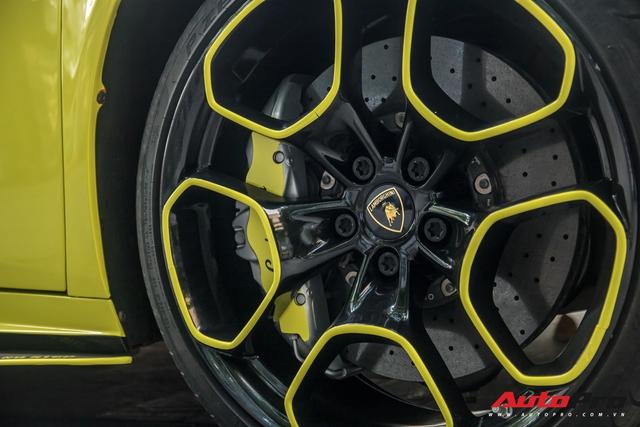 Cận cảnh chiếc Lamborghini Huracan màu vàng neon hàng độc tại Việt Nam - Ảnh 9.
