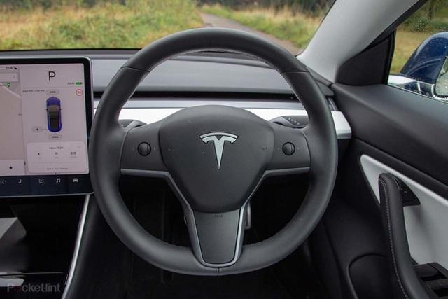 Những trải nghiệm độc lạ bên trong chiếc Tesla Model 3 không phải ai cũng biết - Ảnh 8.
