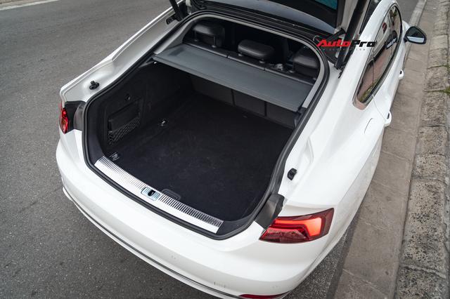 Mua Audi A5 Sportback chạy lướt, đại gia Việt bỏ túi gần 1 tỷ đồng nhưng vẫn có được form xe mới - Ảnh 4.