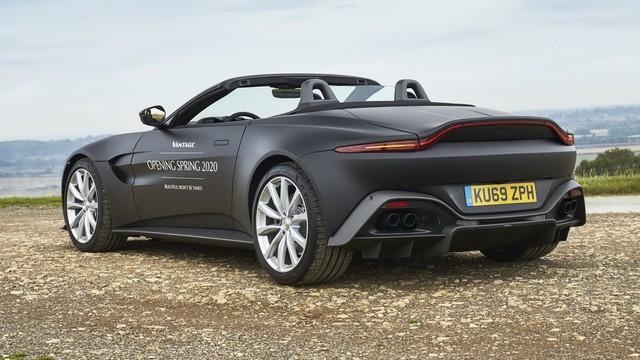 Aston Martin Vantage Roadster 2020 lộ diện với mui trần mỹ miều - Ảnh 3.
