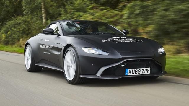 Aston Martin Vantage Roadster 2020 lộ diện với mui trần mỹ miều