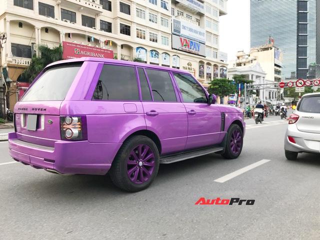 Chiếc Range Rover Autobiography sơn màu tím mộng mơ thu hút sự chú ý trên đường phố thủ đô - Ảnh 2.