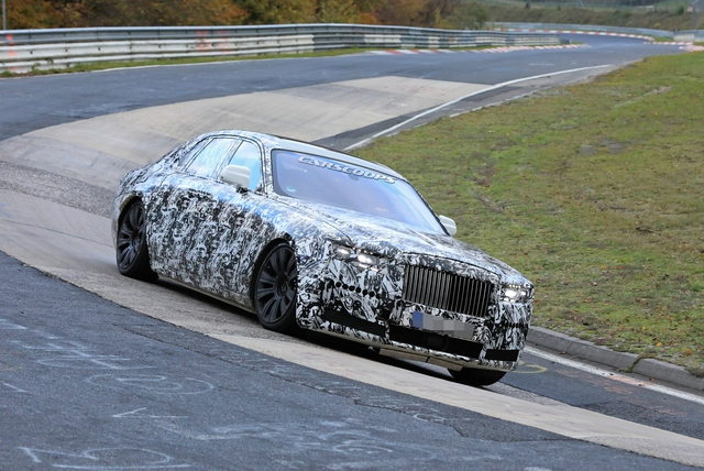 Rolls-Royce Ghost thử khung gầm mới tại địa ngục xanh Nurburgring - Ảnh 1.