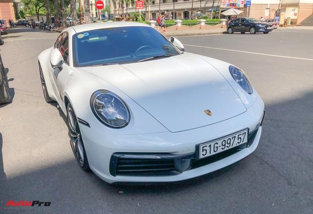 Doanh nhân Nguyễn Quốc Cường cầm lái Porsche 911 Carrera S tiền tỷ xuống phố - Ảnh 3.