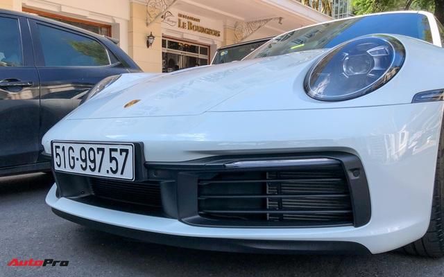 Doanh nhân Nguyễn Quốc Cường cầm lái Porsche 911 Carrera S tiền tỷ xuống phố - Ảnh 4.