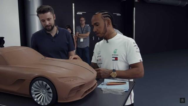 Mercedes nhá hàng coupe AMG GT thế hệ mới theo cách đầy ẩn ý - Ảnh 2.