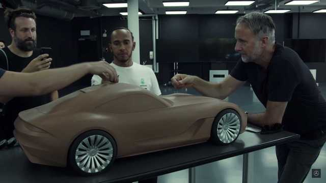 Mercedes nhá hàng coupe AMG GT thế hệ mới theo cách đầy ẩn ý - Ảnh 3.