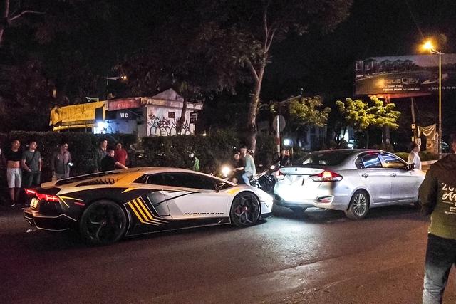 Siêu xe Lamborghini Aventador va chạm với Suzuki Ciaz ngay trong đêm tại Sài Gòn - Ảnh 2.