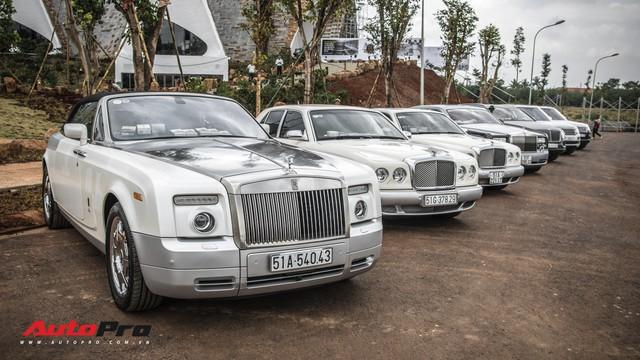 Choáng ngợp với dàn xe tiền tỷ của doanh nhân Đặng Lê Nguyên Vũ tại đại bản doanh - Ảnh 5.