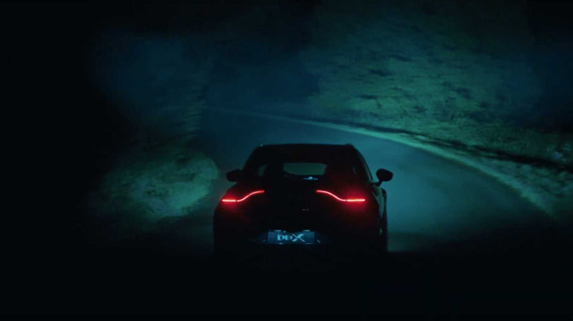Aston Martin DBX thắp sáng màn đêm với trailer mới, sắp ra mắt với giá ngang Lamborghini Urus