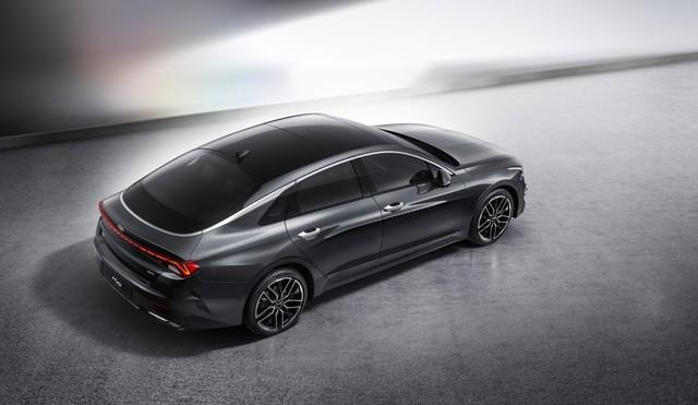 Kia Optima tiếp tục tung ảnh thế hệ mới chất như nước cất, đủ sức đọ Toyota Camry - Ảnh 2.