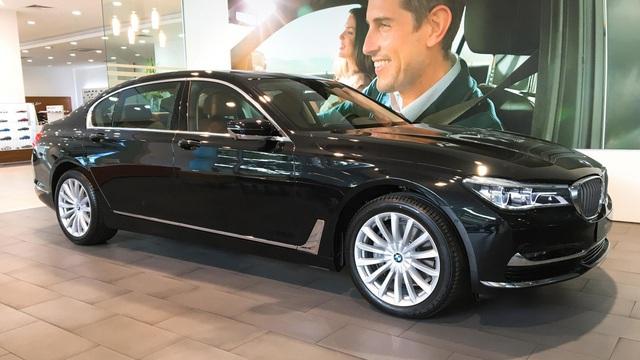 BMW 7-Series 2020 với lưới tản nhiệt 'siêu to khổng lồ' sắp ra mắt tại Việt Nam, giá dự kiến 5,6 tỷ đồng - Ảnh 4.