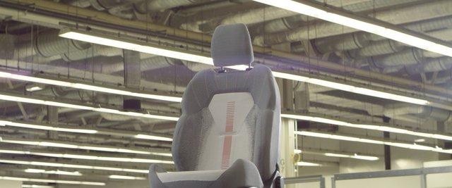 Ford trình làng ghế khâu 3D tích hợp khả năng sạc điện thoại - Ảnh 3.
