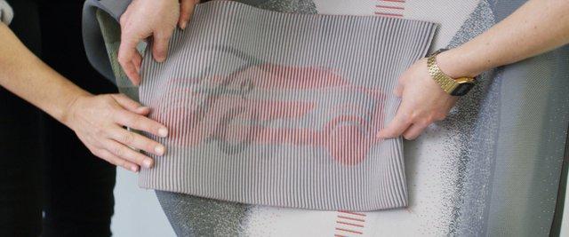 Ford trình làng ghế khâu 3D tích hợp khả năng sạc điện thoại - Ảnh 1.