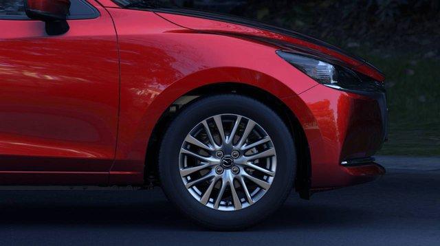 Mazda2 sedan thế hệ mới chính thức trình diện: Thêm mỹ miều để đấu Toyota Vios - Ảnh 3.