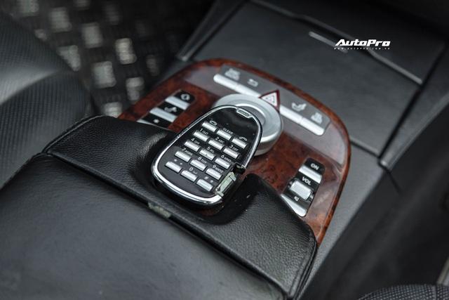 Cảm nhận nhanh Mercedes-Benz S550 13 năm tuổi giá Toyota Vios: Động cơ V8 ngọt ngào khoả lấp khoang nội thất xuống cấp - Ảnh 7.