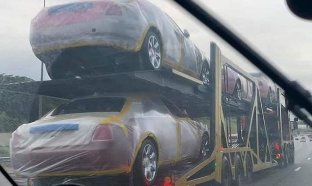 Nhà vua sắm 19 siêu xe Rolls-Royce tặng cho các bà vợ - Ảnh 3.