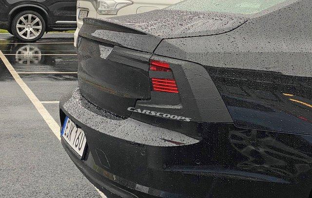Volvo S90 sắp nâng cấp, thêm áp lực cho Mercedes-Benz E-Class - Ảnh 2.