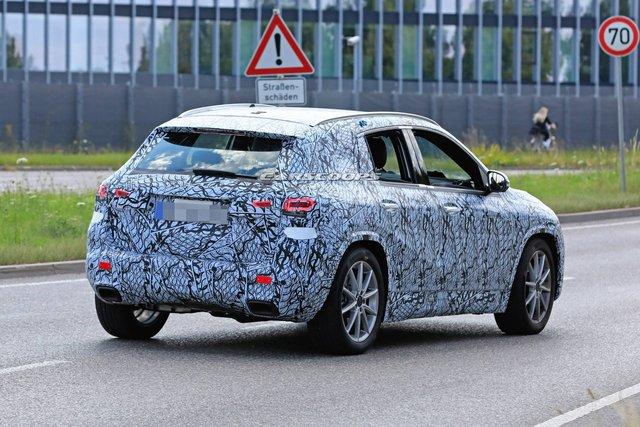 Mercedes-Benz GLA 2020 ra mắt trong vài tuần tới, cạnh tranh BMW X1 - Ảnh 3.