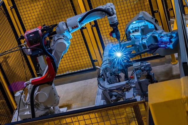 VinFast bán 30.000 xe máy điện trong 1 năm qua - Ảnh 2.