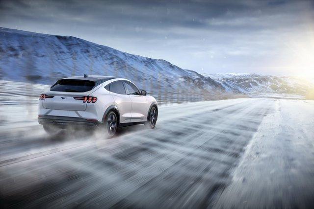 Ra mắt Ford Mustang Mach-E: SUV thuần điện xác Ngựa hoang, hồn Explorer - Ảnh 5.
