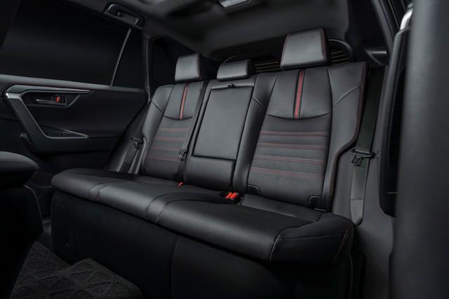 Ra mắt Toyota RAV4 mới: Mạnh nhất nhưng tiết kiệm nhiên liệu nhất, chỉ 2,6L/100km - Ảnh 15.