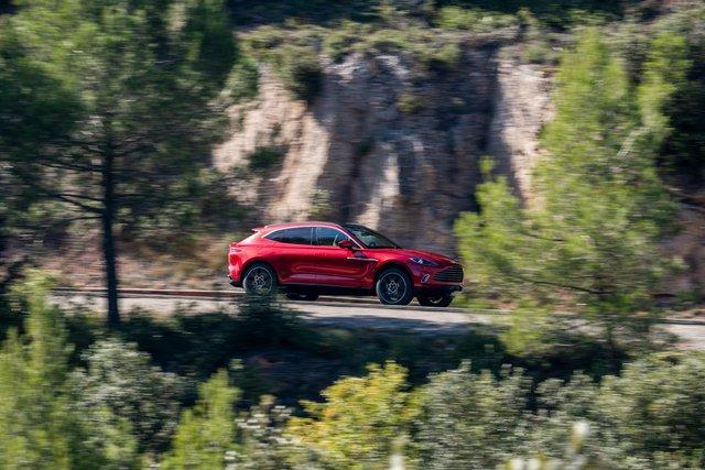 Aston Martin DBX 2020 - Đối thủ mới của Lamborghini Urus, Bentley Bentayga chính thức ra mắt - Ảnh 14.
