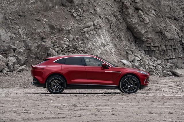 Aston Martin DBX 2020 - Đối thủ mới của Lamborghini Urus, Bentley Bentayga chính thức ra mắt - Ảnh 11.
