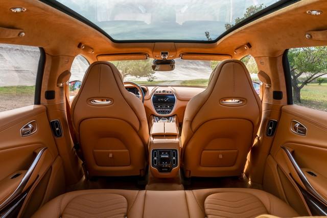 Aston Martin DBX 2020 - Đối thủ mới của Lamborghini Urus, Bentley Bentayga chính thức ra mắt - Ảnh 5.