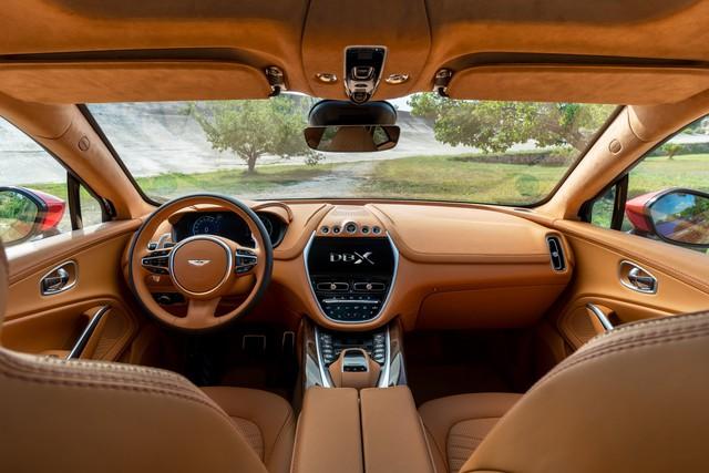 Aston Martin DBX 2020 - Đối thủ mới của Lamborghini Urus, Bentley Bentayga chính thức ra mắt - Ảnh 4.