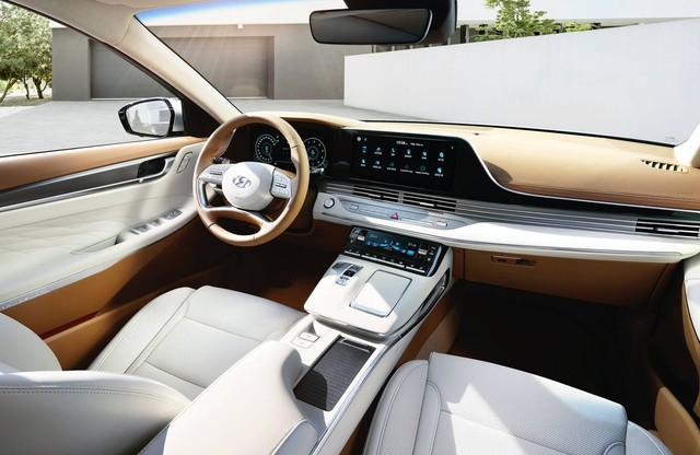 Đàn anh Sonata Hyundai Azera trở thành hàng hot: 3.000 đơn hàng mỗi ngày - Ảnh 2.