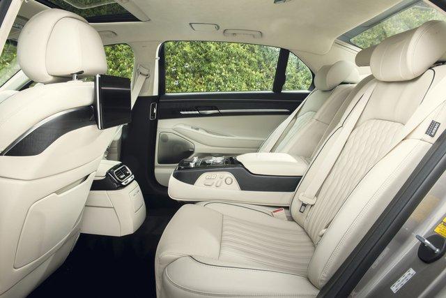 Ra mắt Genesis G90 mới: Tản nhiệt to kém gì BMW, tham vọng đối đầu Mercedes-Benz S-Class - Ảnh 7.