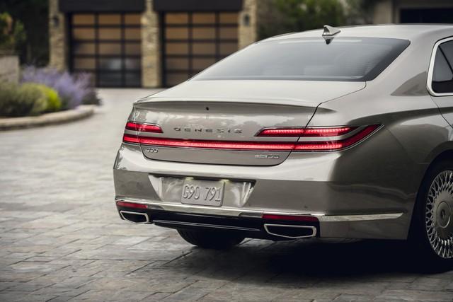 Ra mắt Genesis G90 mới: Tản nhiệt to kém gì BMW, tham vọng đối đầu Mercedes-Benz S-Class - Ảnh 3.
