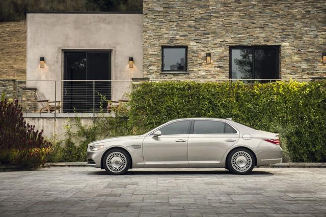 Ra mắt Genesis G90 mới: Tản nhiệt to kém gì BMW, tham vọng đối đầu Mercedes-Benz S-Class - Ảnh 2.